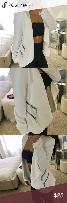 NWT Gorgeous white Waterfall Jacket Waterfall like wife Jacket with rocker chic pockets perfect to pull an outfit together ladies with no hassle ❤️ Jackets & Coats