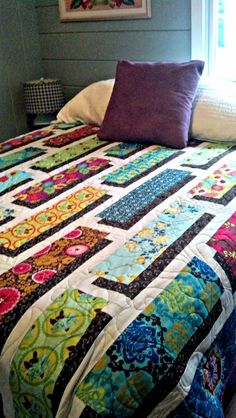 Free quilt patterns – video tutorial for shadow box quilt- full pattern on this link: . Free quilt patterns – video tutorial for shadow box quilt- full pattern on this link: . Patchwork Quilting, 3d Quilts, Scrappy Quilts, Batik Quilts, Strip Quilts, Quilting Projects, Quilting Designs, Quilting Ideas, Quilt Design