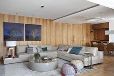 sala moderna parede madeira quadro azul sala decor