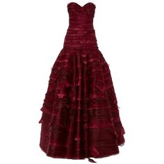 Oscar de la Renta Strapless Sweetheart Neck Organza & Taffeta... ($8,990) ❤ liked on Polyvore featuring dresses, gowns, evening gowns, burgundy, strapless dress, red dress, burgundy evening dress, taffeta gown and tiered organza ball gown