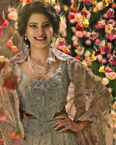 Samantha Ruth Prabhu looked absolutely stunning at her wedding reception. - Samantha Ruth Prabhu shares a gorgeous still from her wedding reception and we are bowled over - view pic Samantha Images, Samantha Ruth, Samantha Wedding, Babe, Hollywood, South Indian Actress, South Actress, Indian Celebrities, Indian Hairstyles