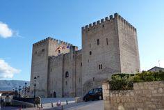 Castillo de los Velasco de Medina de Pomar, también llamado Las Torres de Medina es una de las fortificaciones medievales más grandes y espectaculares de la provincia de Burgos.