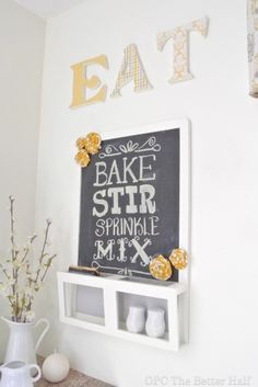 Want this in my kitchen/dining room so a can make a menu and put up the days meals we're terrible at deciding on meals and this is cute/functional