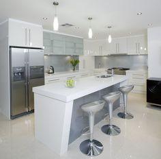 White kitchen glass backsplash