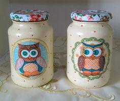 Vidro com pintura e decoupagem Mason Jar Gifts, Mason Jars, Room Interior, Interior Design Living Room, Jar Crafts, Diy And Crafts, Decoupage Jars, Recycled Crafts, Sustainable Design