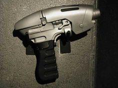 Phase Pistol from ENTERPRISE http://www.phasers.net/2150/phasepistol2.jpg