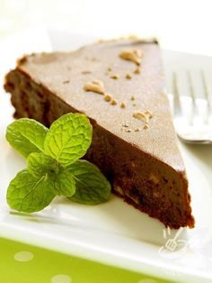 Un dolce ricco e dal sapore inconfondibile, la Torta morbida di cioccolato e castagne. Ottima servita in autunno, magari con un buon tè caldo. Sweet Recipes, Mousse, Biscuits, Bakery, Cheesecake, Pudding, Cookies, Chocolate, Gelato
