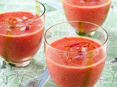 Découvrez la recette Gaspacho à la pastèque sur cuisineactuelle.fr.