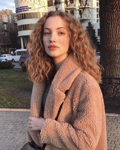 New Hair Goals Straight Waves 18 Ideas Inspo Cheveux, Pretty People, Beautiful People, Curly Hair Styles, Natural Hair Styles, Natural Curls, Corte Y Color, Grunge Hair, Curly Girl