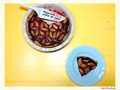 Tarta cu rubarba, zmeura si lavanda Piece Of Cakes, Acai Bowl, Deserts, Lime, Breakfast, Food, Acai Berry Bowl, Morning Coffee, Limes