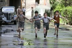 The Boy in the Striped Pyjamas - Publicity still of Asa Butterfield, Zac Mattoon O'Brien, Domonkos Németh & Henry Kingsmill. The image measures 3750 * 2500 pixels and was added on 22 June George Rr Martin, Boy In Striped Pyjamas, Asa Butterfield, Boys Uniforms, Kid Poses, School Boy, Friend Photos, Old Boys, Pose Reference