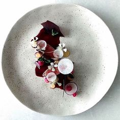 Beautiful plating by @joshretzz #GourmetArtistry…