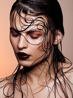 Fashion makeup photography, hair photography, white photography, portrait p Wet Look Hair, Hair Looks, Foto Picture, Beauty Makeup, Hair Makeup, Dewy Makeup, Hair Beauty, Glossy Makeup, Beauty Style