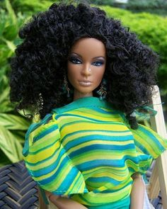 Barbie for my baby! African Dolls, African American Dolls, Curly Hair Styles, Natural Hair Styles, Diva Dolls, Dolls Dolls, Pelo Natural, Beautiful Barbie Dolls, My Black Is Beautiful
