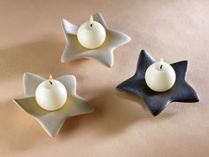 New Pic Ceramics Pottery candle holders Suggestions Ausgezeichnet Foto Diy Candle Holders, Diy Candles, Making Candles, Photo Candles, Diy Clay, Clay Crafts, Ceramic Clay, Ceramic Pottery, Ceramic Christmas Decorations