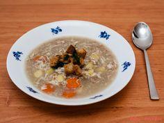 Oblíbená kmínová polévka může být hezky hustá, a to díky pohankové mouce a bulguru. Vyzkoušejte ji. Cheeseburger Chowder, Oatmeal, Soup, Breakfast, Bulgur, The Oatmeal, Morning Coffee, Rolled Oats, Soups