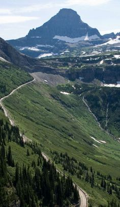 A beginner's guide to Glacier National Park on Roadtrippers Glacier Montana, West Glacier, Big Sky Montana, Glacier Np, Montana National Parks, Most Visited National Parks, Glacier National Park Camping, Hiking Usa, Beautiful Places To Visit