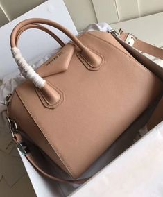 12ad81cc783c 54 Best outfit and purse. images in 2019