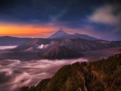 Mysterious World - Bromo mountain,East Jawa , İndonesia my instagram: ilhan1077 www.facebook.com/ilhanerogluphotography