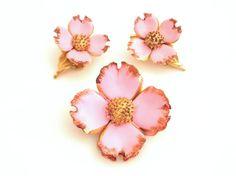 Pink Enamel Flower Demi Parure  Vintage by TheBirdcageVintage, $29.99 #etsy #vintage