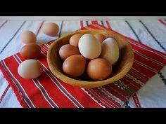 Albesc ouale cu coaja maro ca sa le vopsesc pentru Pasti Easter Ideas, The Creator, Eggs, Nutrition, Organic, Breakfast, Food, Morning Coffee, Essen
