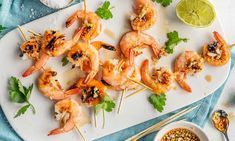 Noe av det deiligste du kan servere av grillmat er fisk og skalldyr. Prøv vår oppskrift på marinert scampi, en garantert suksess!