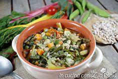Il minestrone primaverile è un delizioso piatto unico di stagione ricco di vitameni e sali minerali che vi piacerà molto e vi manterrà in forma