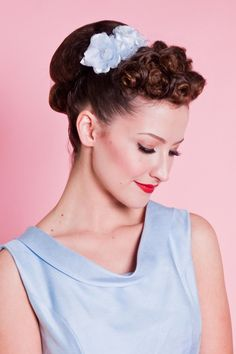 Bettie Page Flower Trio - Baby Blue