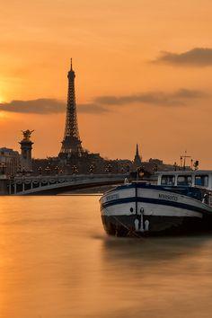 / along the Seine /