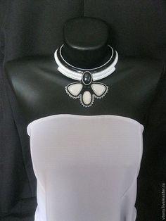 """Купить Колье """"Коко"""" - чёрно-белый, белый, черный, контраст, контрастный, колье, украшения, кабошоны"""