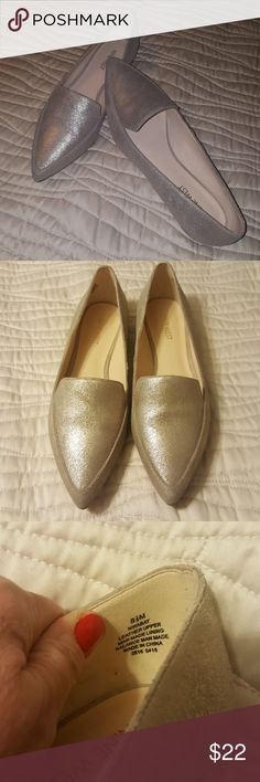 Nine West muted Gold shimmer point toed flats. Beautiful, worn once, just a little big. Med width. No spots or scuffs. Nine West Shoes Flats & Loafers