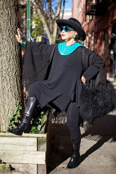 ADVANCED STYLE: Black and Turquoise
