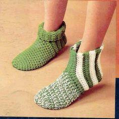 Slipper Socks. Quick and easy worked with 2 strands of yarn. Free pattern: http://www.knitting-crochet.com/crochet/slisoc.html