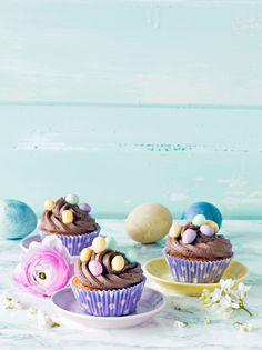Pääsiäismuffinit | K-ruoka #pääsiäinen Easter Food, Easter Recipes, Cupcakes, Desserts, Inspiration, Tailgate Desserts, Biblical Inspiration, Cupcake Cakes, Deserts