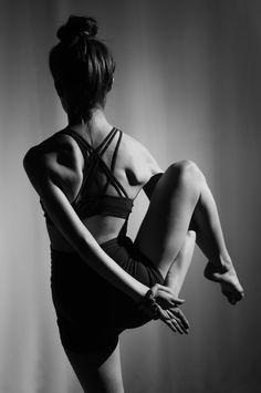 Yoga Bound Half Bird of Paradise - Evelyn Adams - Life es Bella - Bilbao Yoga Retreats