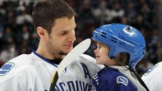 Kevin Bieksa and his daughter Reese wearing his helmet. Hockey dad's are cool! He is one of the hardest hitting players in the NHL and always plays hard. Hockey Games, Hockey Players, Hockey Pictures, I In Team, Vancouver Canucks, Win Or Lose, Love My Boys, Home Team, Man Candy