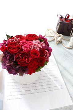Preserved flower Red  プリザーブドフラワー アレンジメント レッド 還暦のお祝いに。http:www.fleuriste-glycine.jp/