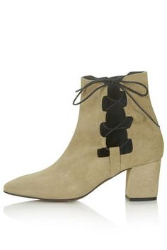 MADRID Ghillie Side Tie Boots