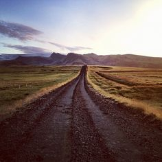 We woke up early on our #roadtrip in #Iceland to check out the #morning sunrise. @AmazingTravelers