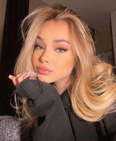 Cute Makeup, Beauty Makeup, Makeup Looks, Hair Makeup, Hair Beauty, My Beauty, Photographie Portrait Inspiration, Aesthetic Hair, Blonde Color