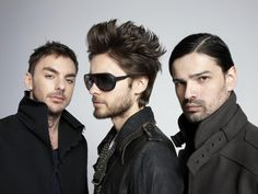 Watching 30 Seconds to Mars :D Unplugged. Sounds awesome. With Symphony. Sweet.