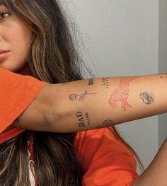 Dainty Tattoos, Pretty Tattoos, Small Tattoos, Cool Tattoos, Tatoos, Little Tattoos, Mini Tattoos, Body Art Tattoos, Rosen Tattoo Frau