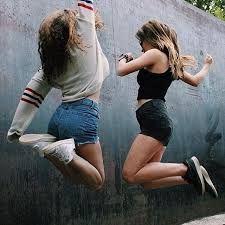 Resultado de imagen para fotos tumblr para imitar de mejores amigas