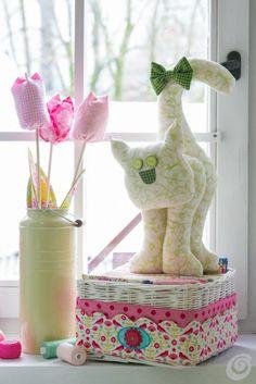 Tako se naredi (DIY) :: Rože iz blaga, izdelajmo si pomladne tulipane  Fabric tulips stuffed with lavender.