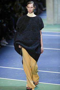 Céline, A-H 16/17 - L'officiel de la mode