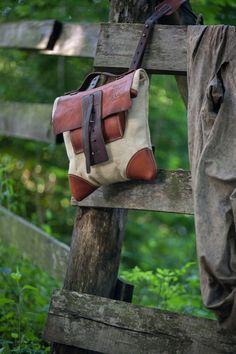 Купить почтовая сумка через плечо из состаренной кожи и винтажного конваса - бежевый, хипстер