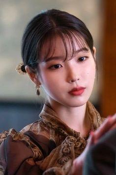 #IU #Hotel_Del_Luna #tvN #LeeJiEun #YeoJinGoo Korean Beauty, Asian Beauty, Iu Hair, Luna Fashion, Eunji Apink, Waves Photography, Dont Forget To Smile, Korean Actresses, Girl Group