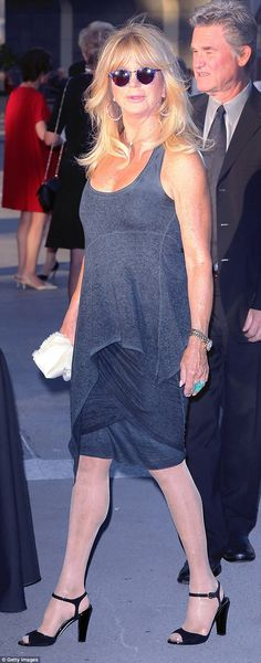 Goldie Hawn, stuns in grey dress alongside Kurt Russell at event Goldie Hawn Kurt Russell, The First Wives Club, How To Look Handsome, Opera Singers, The Struts, Gray Dress, Couples, Grey, How To Wear