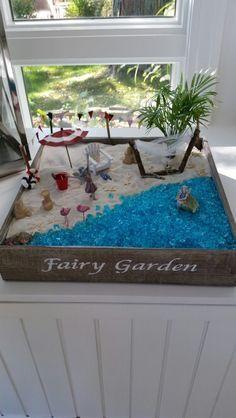 Beach fairy garden - All For Herbs And Plants Beach Fairy Garden, Fairy Garden Houses, Gnome Garden, Fairy Gardening, Fairy Crafts, Garden Crafts, Garden Terrarium, Beach Gardens, Fairy Doors
