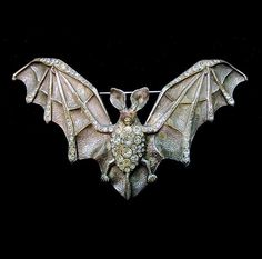 French Art Nouveau paste and base metal bat buckle/brooch offered by Kieron Reilly Art Nouveau Jewelry, Jewelry Art, Antique Jewelry, Vintage Jewelry, Jewelry Design, Goth Jewelry, Metal Bat, Antique Market, Pandora